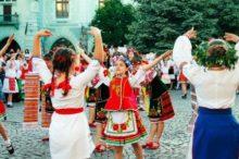 У Мукачеві офіційно відкрили міжнародний дитячо-юнацький фестиваль «Смарагдові витоки»