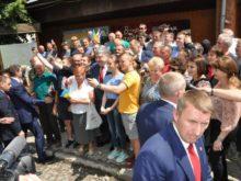 Як Петро Порошенко з людьми у Воловці спілкувався (Фото)