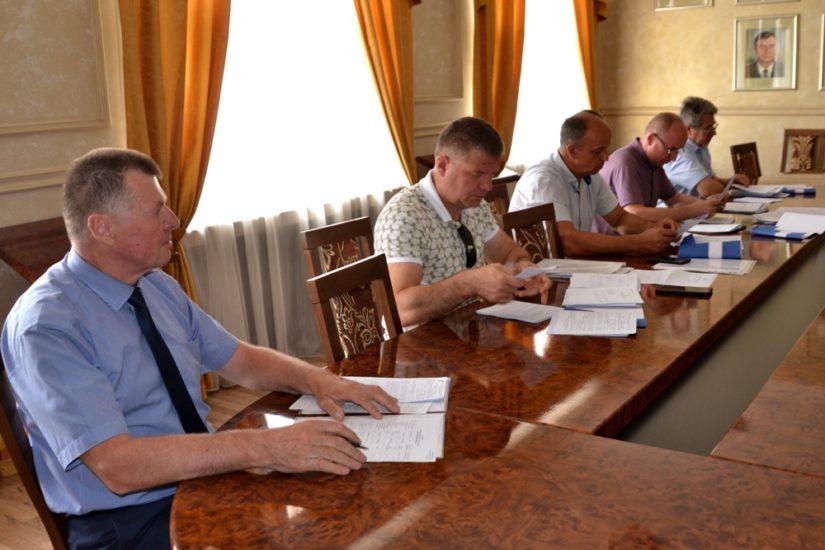 Мисливські угіддя та розпорядження ділянками сільськогосподарського призначення обговорювали на профільній комісії облради