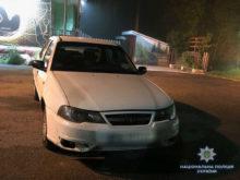 Поліція зупинила автомобіль з іноземцями без документів при спробі в'їзду в Закарпатську область