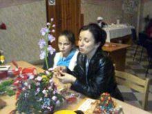 Жінок і дівчат у Сторожниці  вчила бісероплетінню майстриня з Худльова
