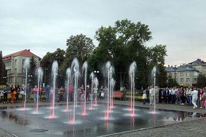 Площа Народна нарешті «зафонтанила»