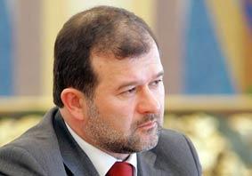 Віктор Балога пропонує чиновникам економити на авто і ремонті