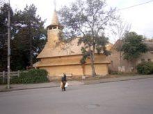 На вулиці Капушанській в Ужгороді владика Мілан освятив хрест і фундамент нового храму Благовіщення Пресвятої Богородиці