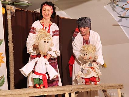 Закарпатські лялькарі з великим успіхом виступили перед українцями Будапешта