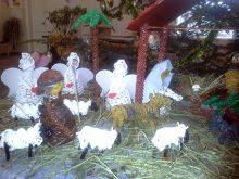 Різдвяний вертеп із паперової лози.  Саме такий змайстрували у Сторожниці