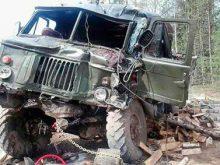 На Свалявщині перекинулася вантажівка з людьми. Є жертви…