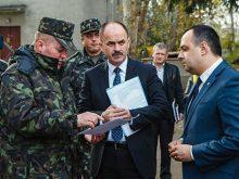 Влада взялася допомогти в облаштуванні військового містечка в Мукачеві