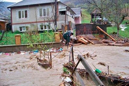 Локальна аномальна злива в Родниковій Гуті наробила великої біди