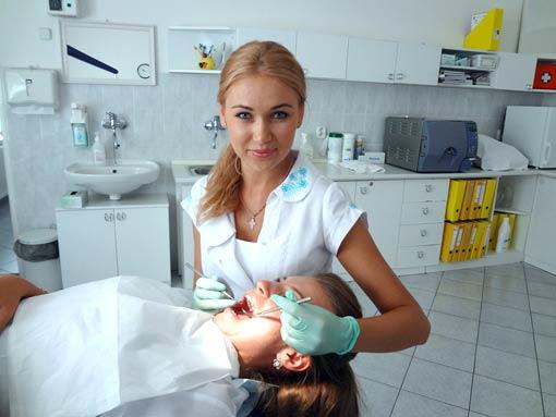 Літню практику наші майбутні стоматологи провели в провідних клініках Словаччини