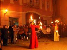 Фаєр-шоу та вином відкрили «Французьку осінь» в Ужгороді