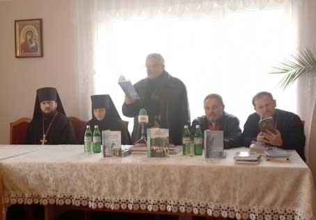 У перший день різдвяного посту письменники прийшли у… монастир