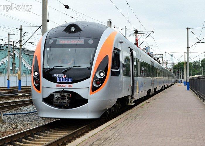 Голова Закарпатської облради Михайло Рівіс ініціює запуск потягу «Інтерсіті» сполученням «Київ – Ужгород»