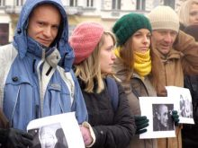 Закарпатські журналісти флеш-мобом підтримали постраждалих колег на євромайдані