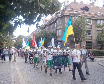 Більш як півсотні спортсменів  пройшлися Ужгородом
