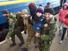 Більше 100 прикордонників повернулися додому із зони воєнних дій
