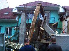 В Ужгороді на вулиці Фединця обвалилася бетонна конструкція