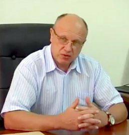 Ректор УжНУ звільнився з усіх посад у виші