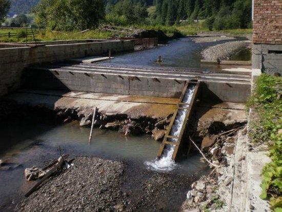Річки в 11-ти районах Закарпаття входять до гідрологічних заказників,  де обмежені будівельні роботи, включаючи зведення міні-ГЕС