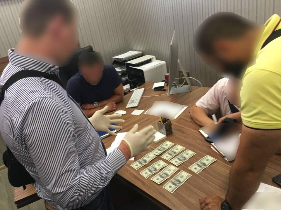 Цьогоріч на Закарпатті поліцейські викрили 14 посадовців-хабарників