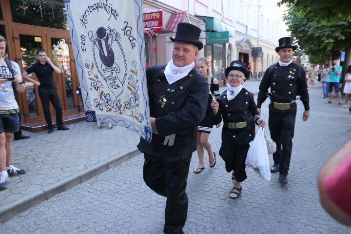 У Мукачеві відбувся міжнародний Парад сажотрусів