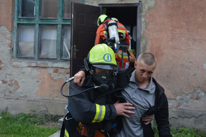 У Перечинському районі рятувальники ліквідували наслідки умовної надзвичайної події у навчальному закладі