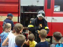 Закарпатські надзвичайники знайомили вихованців дитячих таборів із професією рятувальника