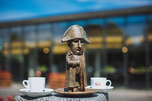 Наполеон в Ужгороді: маємо чергову міні-скульптурку