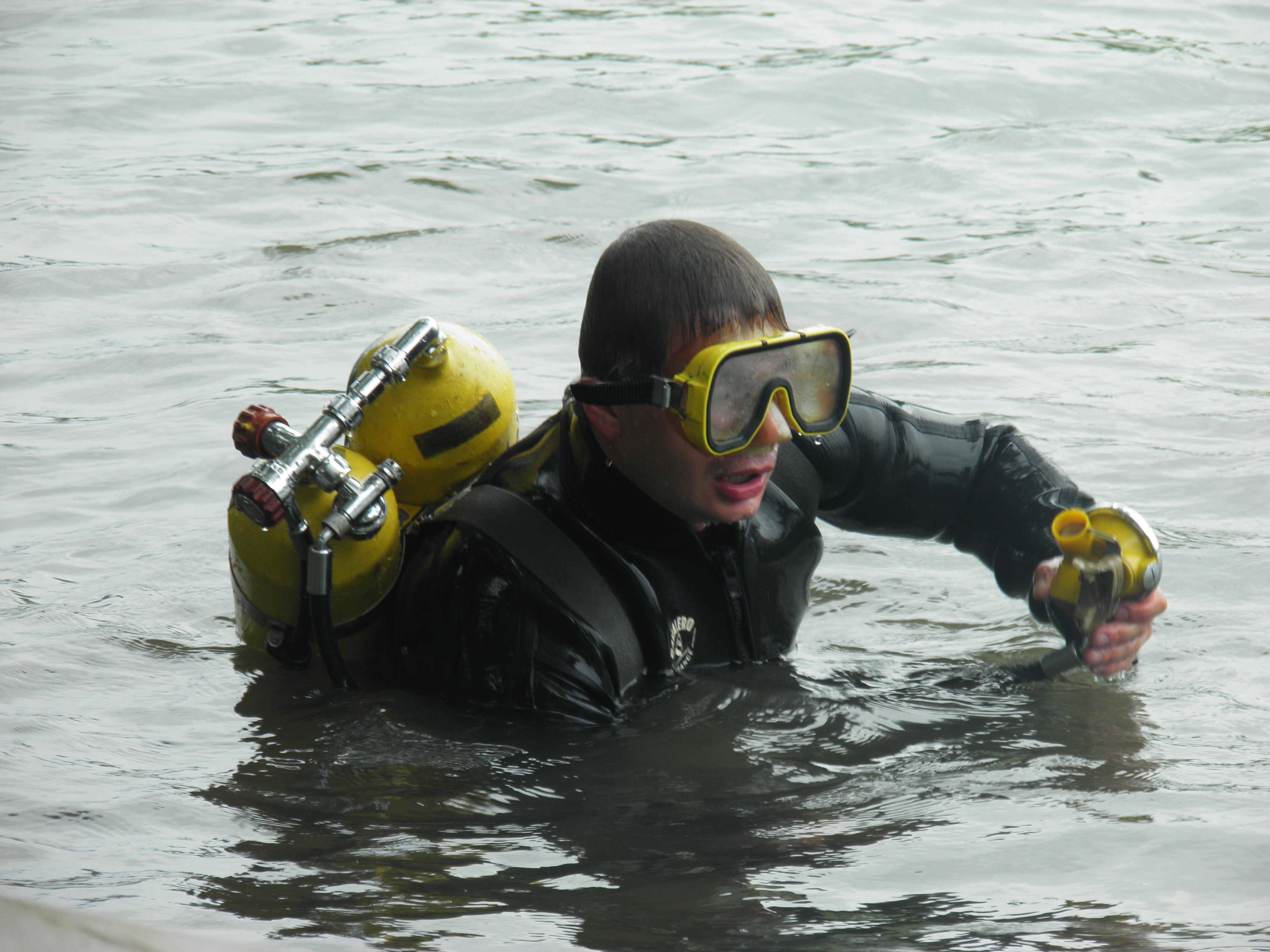 Рятувальники продовжують пошуки двох дітей, які, ймовірно, втопилися в Тисі