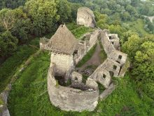 Суд повернув Невицький замок на баланс області