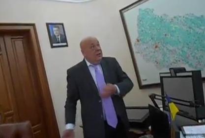Голова Закарпатської ОДА закликає мешканців Ужгородщини прийти на сесію райради і особисто висловити свою «народну любов» депутатам, котрі намагаються ліквідувати чотири дитячі школи мистецтв