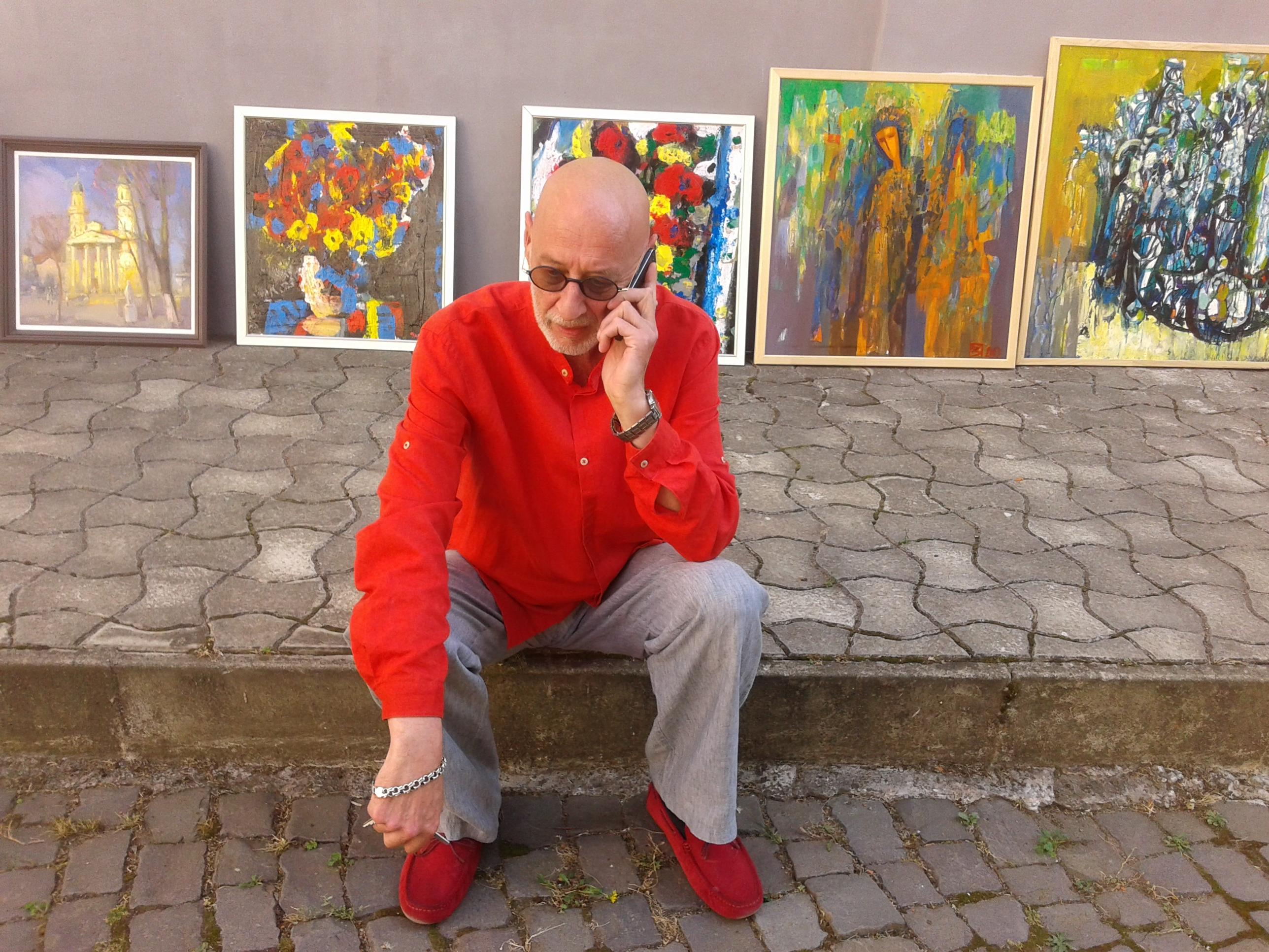 Картин на 120 тисяч гривень зібрали в музейному дворику