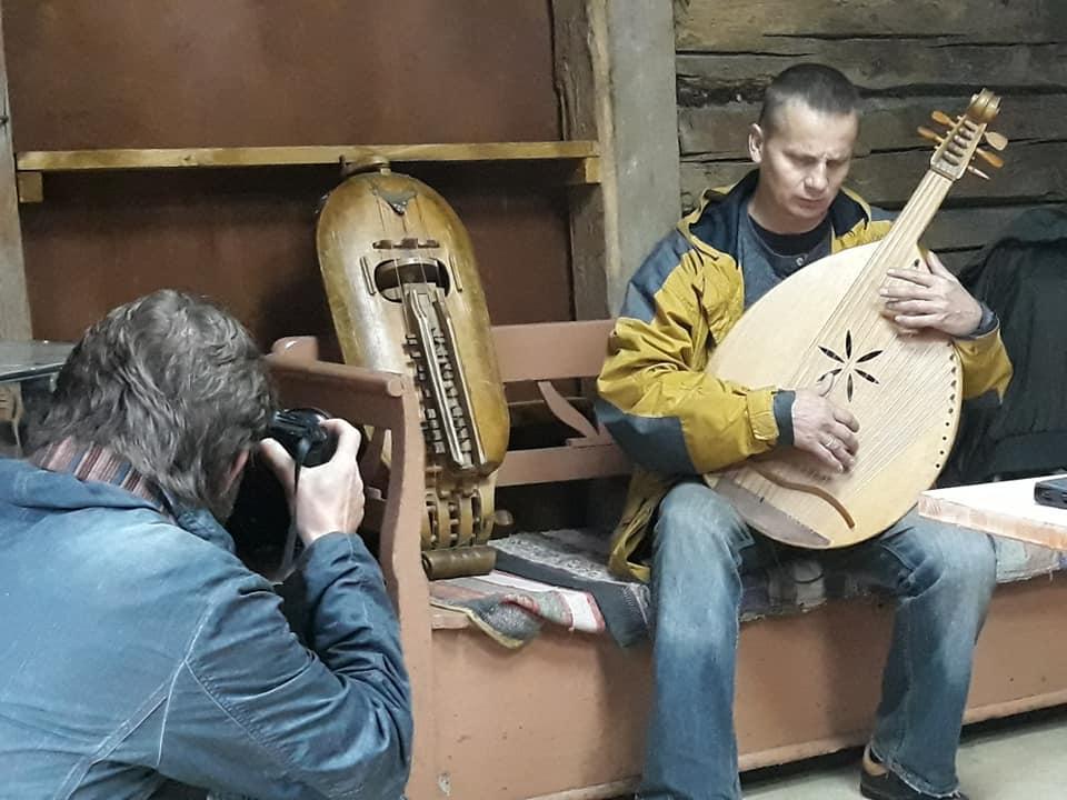 Фест «Карпатська Україна» пройшов із лекціями, виставками, кінопоказом та виступами лірників і кобзарів