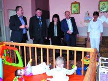 Обласний СИРОТИНЕЦЬ У СВАЛЯВІ привернув увагу не лише керівництва краю, а й Генерального консула Угорщини в ужгороді