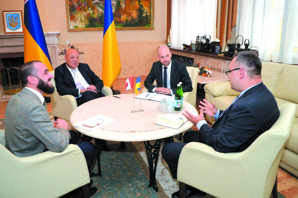 Із робочим візитом у краї побувала делегація канадських урядовців та дипломатів