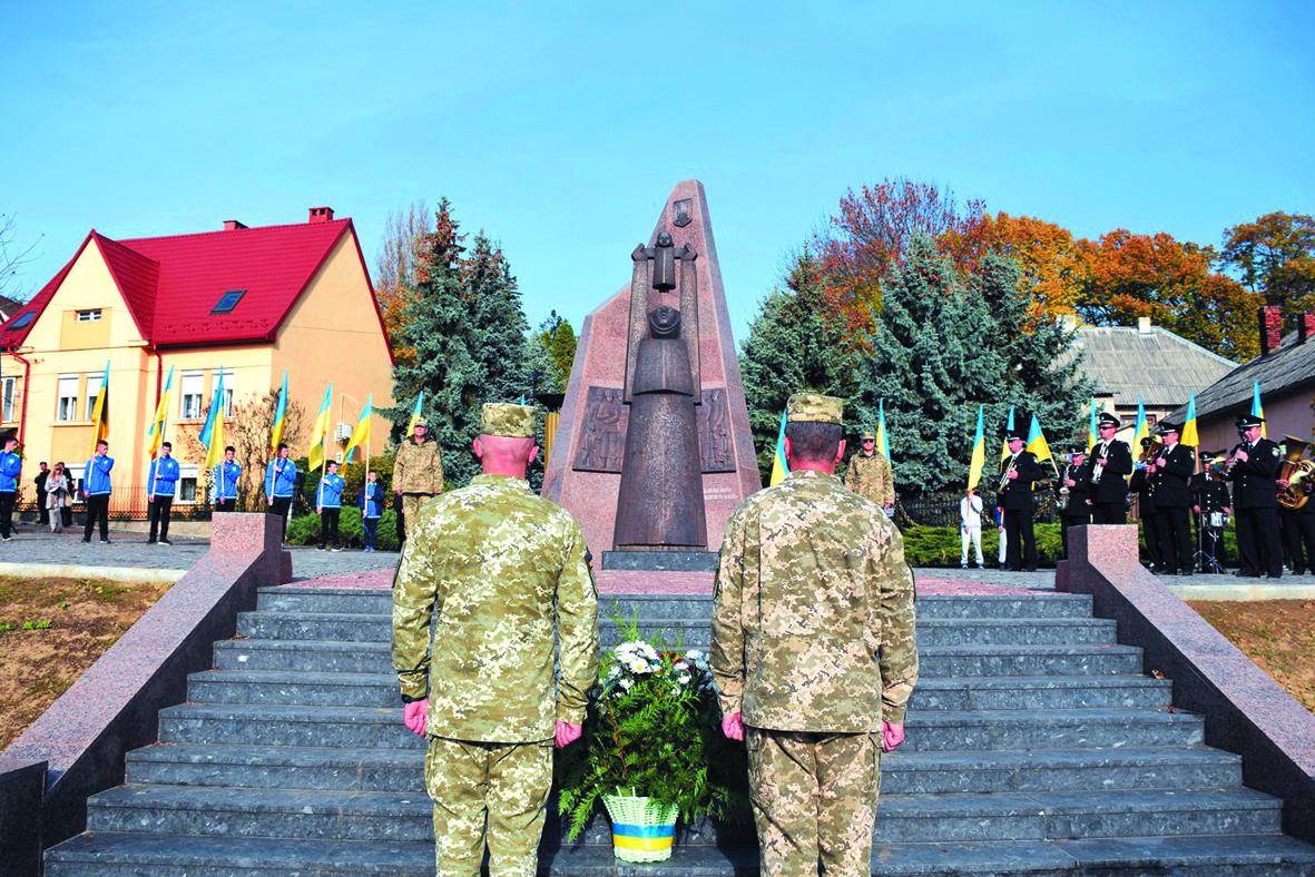 Меморіал загиблим воїнам АТО освятили в Ужгороді