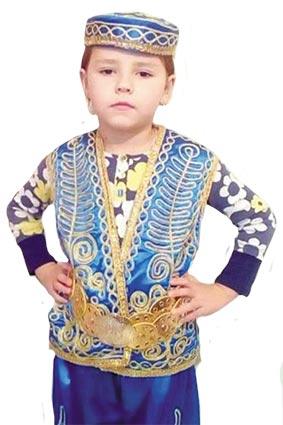 БІЛКИ, ДІДИ ТА МИКОЛАЇ Майстриня шиє карнавальні костюми