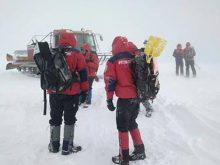 У різдвяну ніч у горах заблукали п'ятеро туристів. Одного ще шукають
