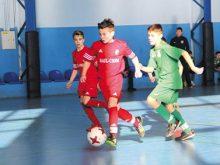 На Новий рік та Різдво  юні футболісти боролися за престижні трофеї