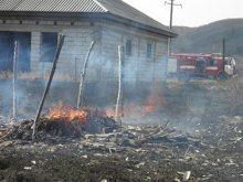 За вихідні 17 разів горів сухостій. Рятувальники Закарпаття закликають не провокувати такі пожежі
