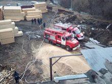 Пожежу в цеху для виробництва паливних брекетів ліквідували воловецькі рятувальники