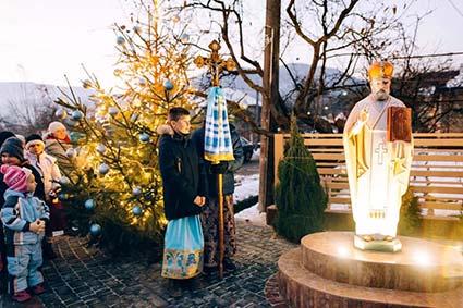 5 грудня у Перечині вже запалили ялинку.