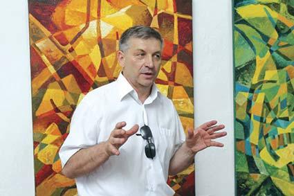 В Мукачеві відкрили персональну виставку Василя Бобіти