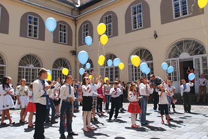 Міжнародний День захисту дітей відзначали радісно і креативно