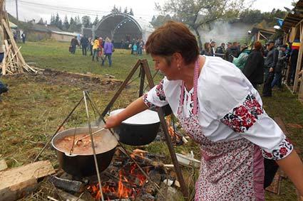 Смаженого баранчика  у Лазещині готувало 14 команд